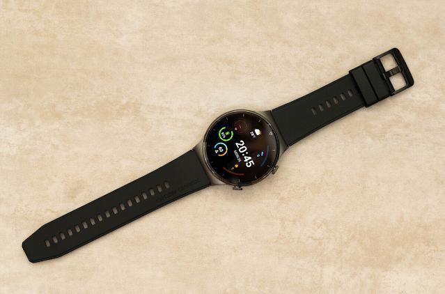 Oppo Watch (từ 5,99 triệu đồng)