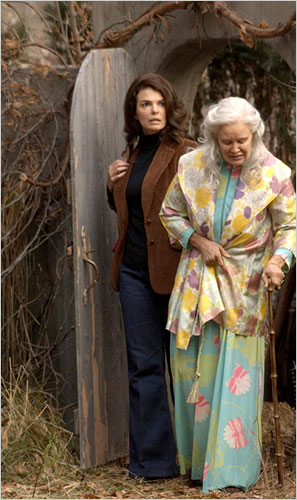 Maison Decor Grey Gardens A Haunting Real Life Riches To