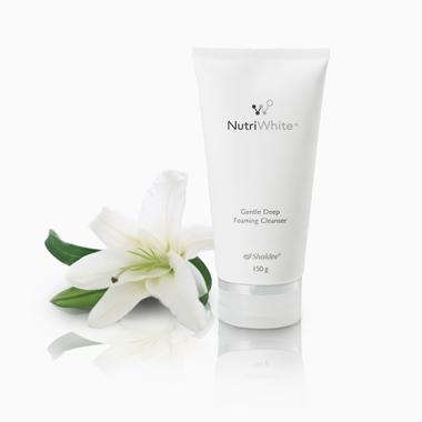 Pencuci muka untuk kulit normal dan kombinasi