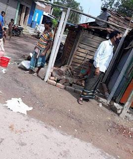 কলারোয়ার শাকদহে সরকারি জায়গায় দোকানঘর নির্মাণের অভিযোগ