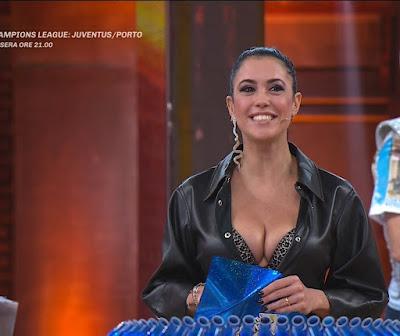 Claudia Ruggeri abbigliamento avanti Un Altro 9 marzo