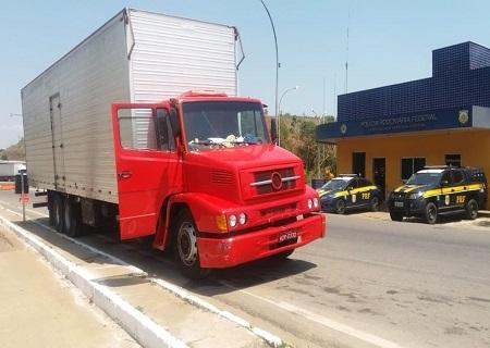http://www.jornalocampeao.com/2019/10/br-116-prf-apreende-caminhao-com-sinais.html