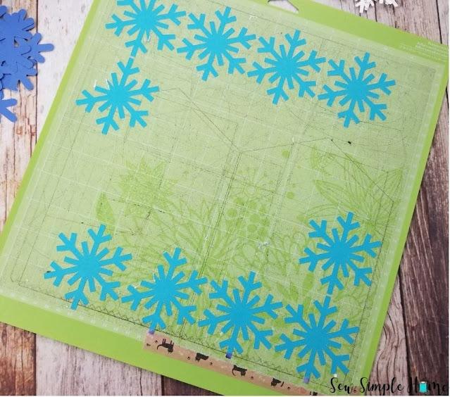 paper snowflake garland diy