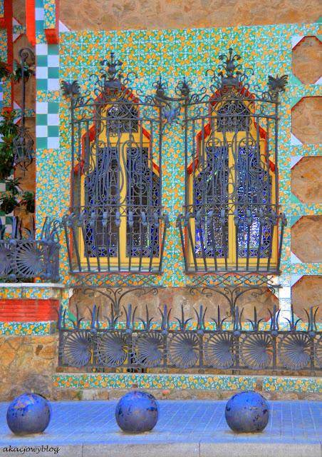 Architektoniczne ekscesy młodości. Depcząc po piętach Gaudiemu (część 2).