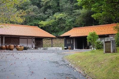 鳥取の窯元・工芸 クラフト館 岩井窯 参考館