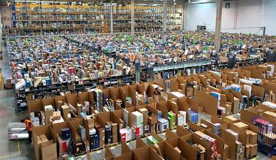 Ofertas destacadas de Amazon en un portátil, un smartphone, dos monitores, dos SSDs y un disco duro externo