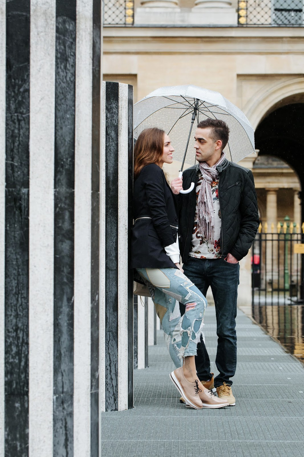 paris rain couple photoshoot palais royal