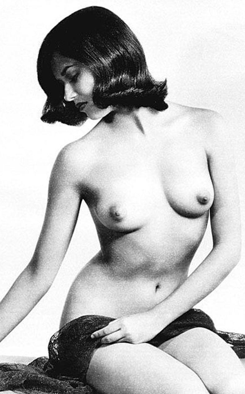 Has lauren hutton ever been nude
