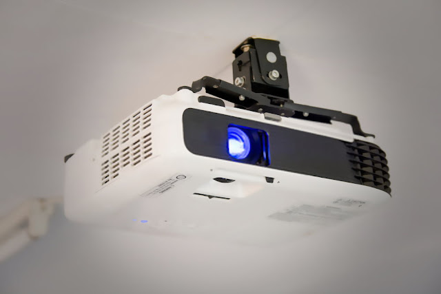 Top 5 Best LED Projector Under Rs.10000 In India