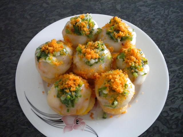 banh ram it hue vietnam