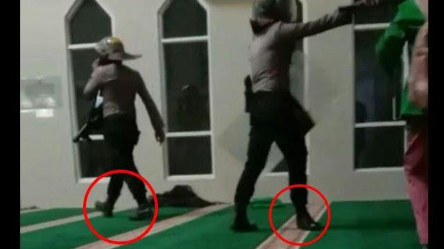 2 Polisi yang Masuk Masjid Bersepatu di Makassar Ditahan 14 Hari