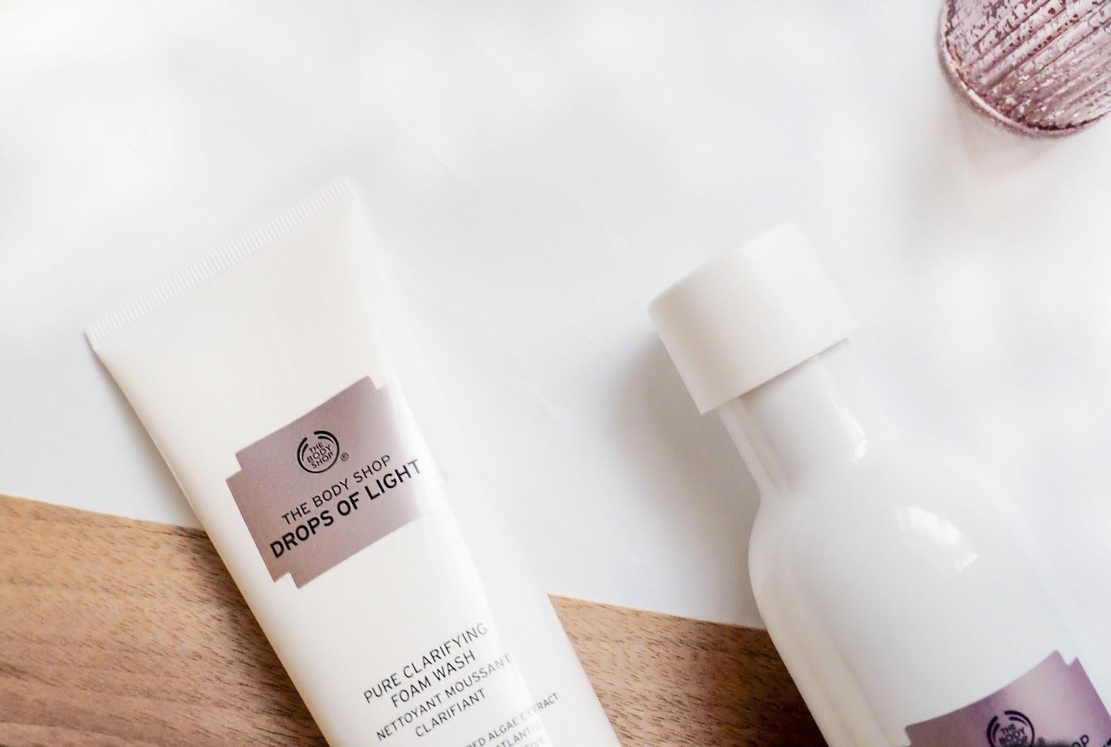 The Body Shop Drops of Light Pure Clarifying Foam Wash
