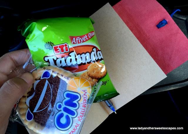 snacks on board Pamukkale Turizm bus