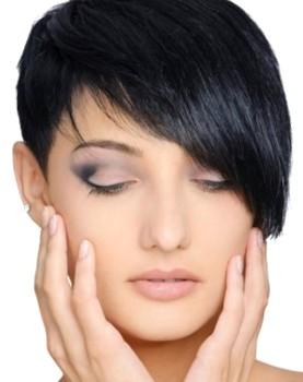 model rambut pendek wanita poni 2018
