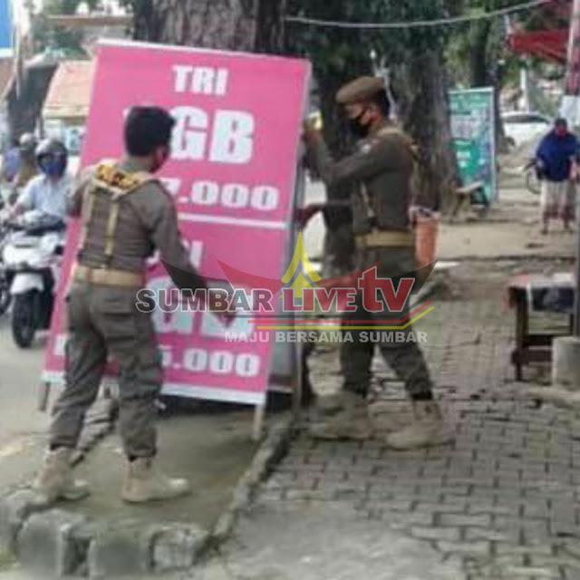 Trotoar untuk Iklan Papan Bermerek Disita Satpol PP Padang - sumbarlivetv