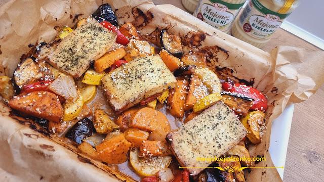 Pieczone  kolorowe warzywa w sosie majonezowym  - Czytaj więcej »