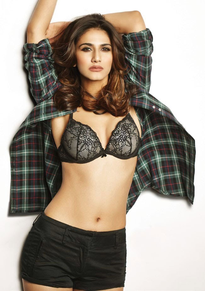 Vaani-Kapoor-FHM-India-Magazine-2014-open-shirt-photo