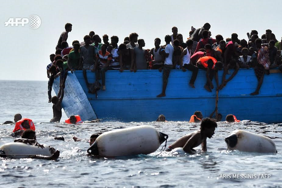 Photos Of African Migrants Stepping Over Dead Bodies After -2959