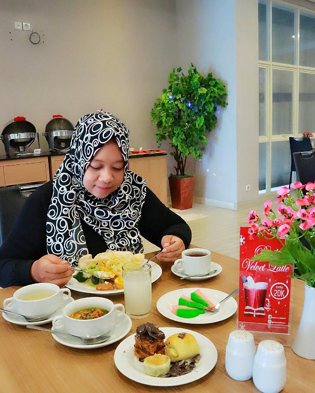 sarapan di hotel Brothers Inn Babarsar