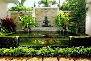 kolam ikan dengan kaca