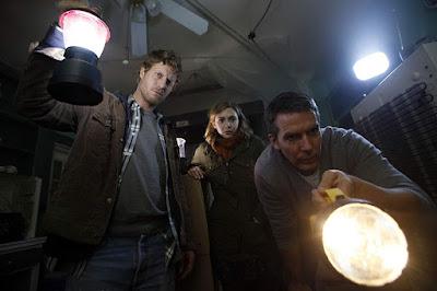 SILENT HOUSE film d'horreur avec Eric Sheffer Stevens, Elizabeth Olsen et Adam Trese