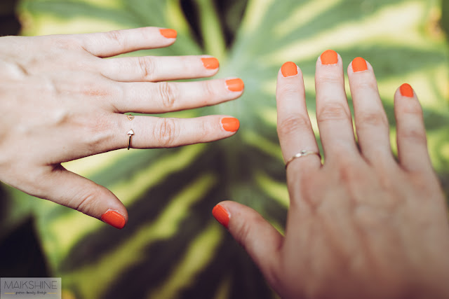 Esmalte de uñas coral