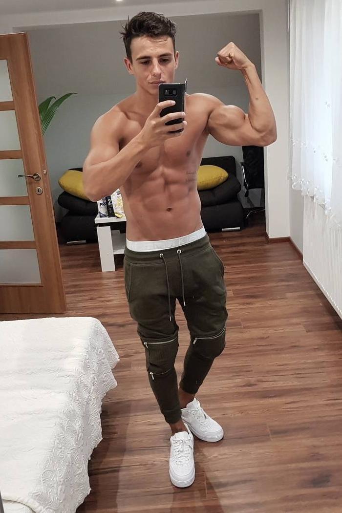 cute-selfie-boy-no-clothes-on-bicep-flexing