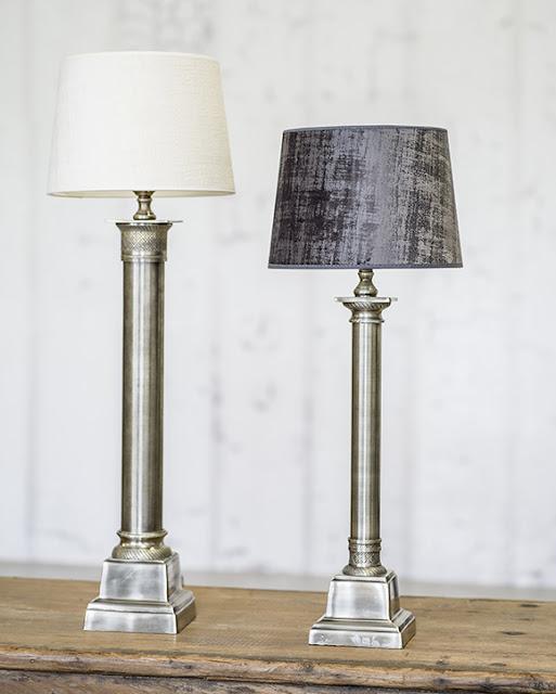 Lampfot Boscolo i Italiensk stil från Hallbergs.