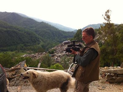 """Risultati immagini per Docufilm sulle aree terremotate del Centro Italia - """"O la troika o la vita,"""