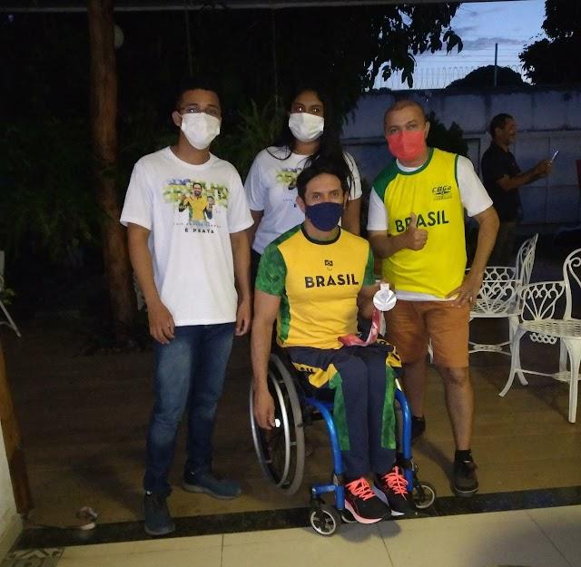 Medalhista paraolímpico Luís Carlos Cardoso profere palestra em José de Freitas