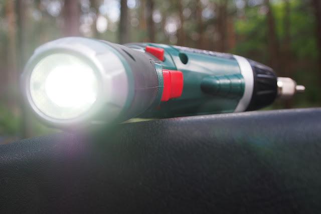PARKSIDE Akumulatorowa wkrętarka z latarką z Lidla - RECENZJA