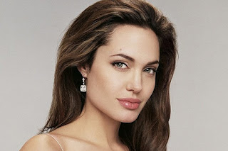 Biografi Angelina Jolie