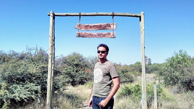 Reserva Flecha Nativa, no Parque General San Martín, em Mendoza. A reserva mostra a flora local original preservada.