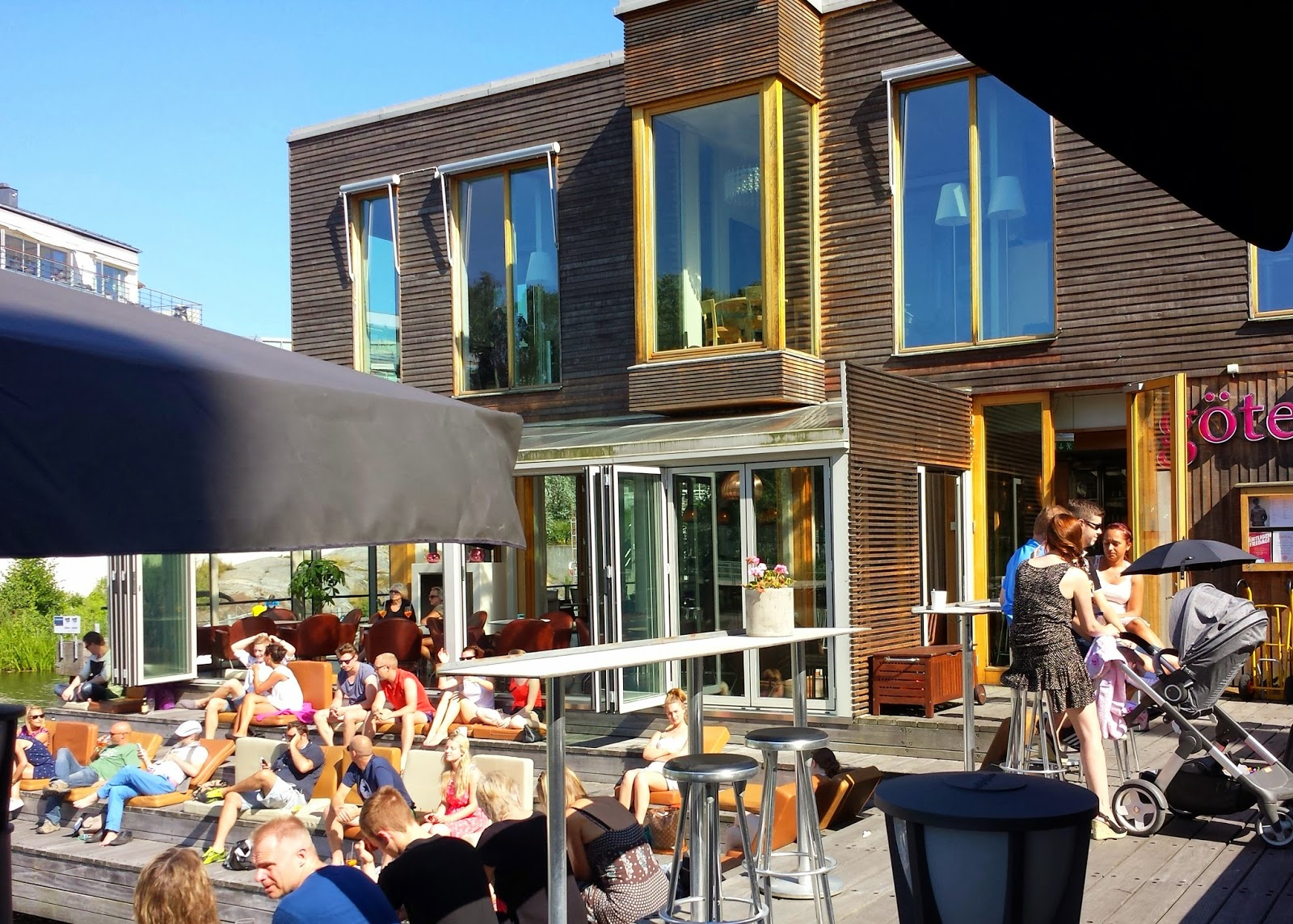Restaurang Göteborg in Hammarby Sjöstad  | Our first July 4th abroad on afeathery*nest  |  http://afeatherynest.blogspot.com