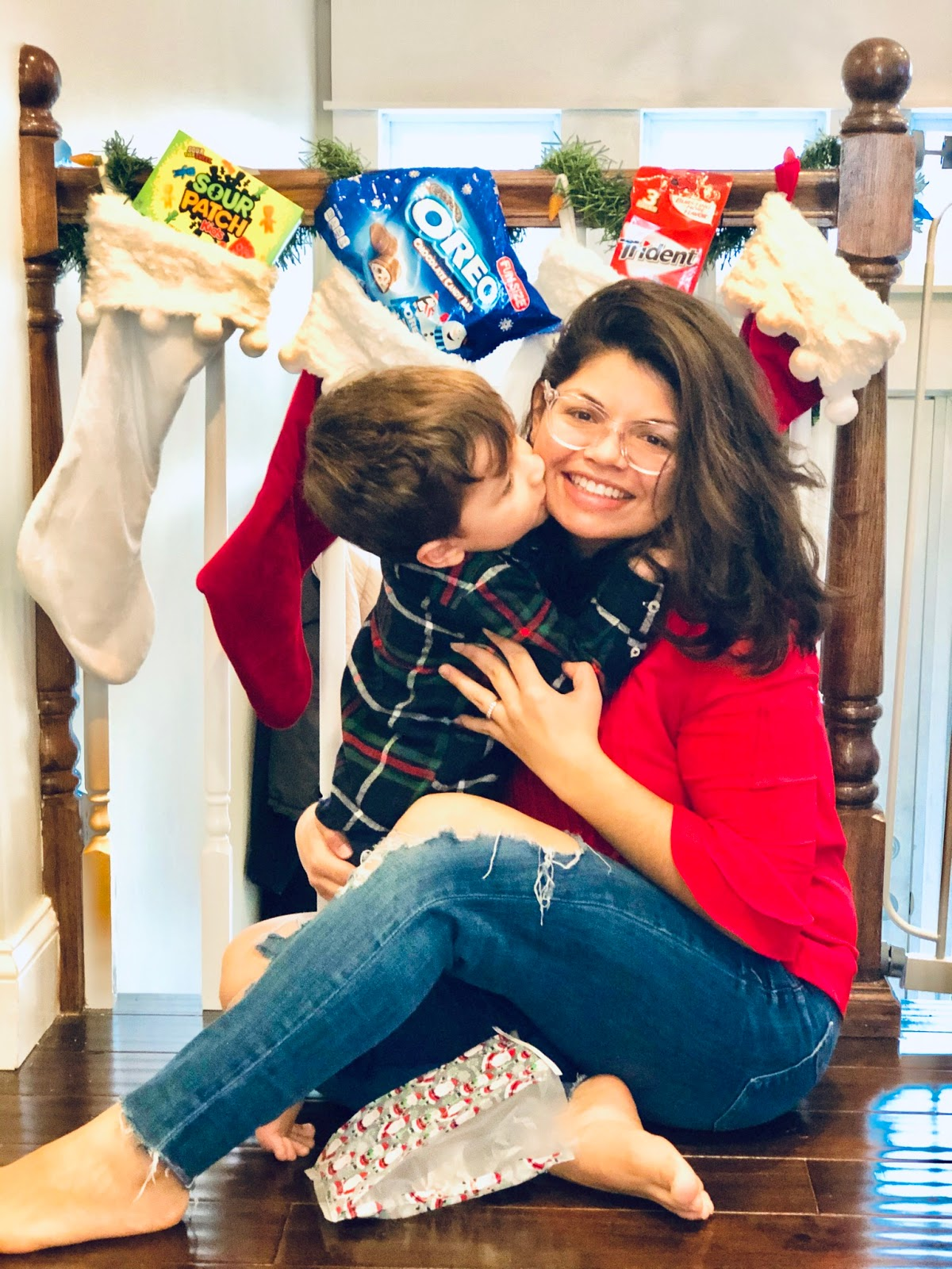 sweets, oreos, sour patch kids, trident, stocking stuffers, holiday goodies, holiday bags, goodie bags, christmas,  long island blogger, nyc blogger, mom blogger, long island mom blogger, latina blogger, latina mom, latina mom blogger