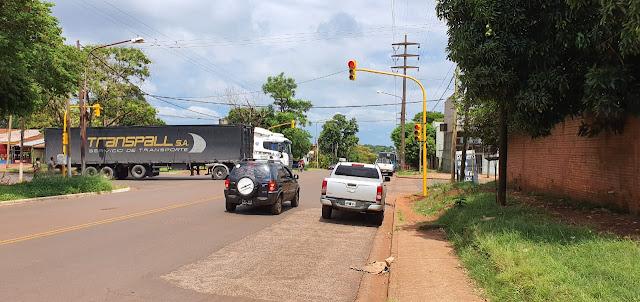 El municipio instaló un nuevo semáforo en la intersección de las avenidas Blas Parera y Zapiola