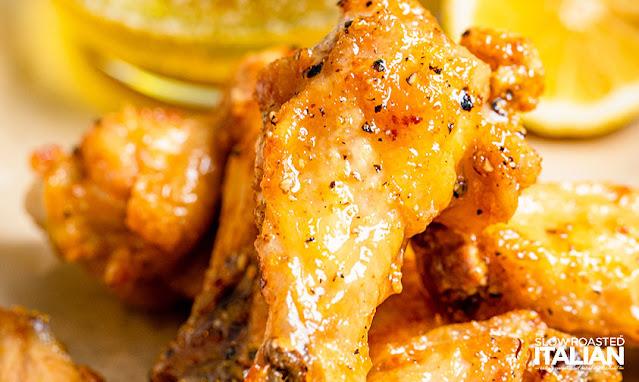 air fryer chicken wings in lemon pepper sauce