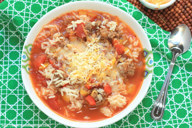 Featured Recipe | Stuffed Pepper Soup from The Hobo Kitchen #SecretRecipeClub #recipe #soup
