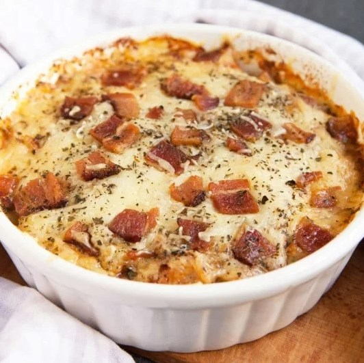 Keto Cheesy Chicken Parmesan Casserole