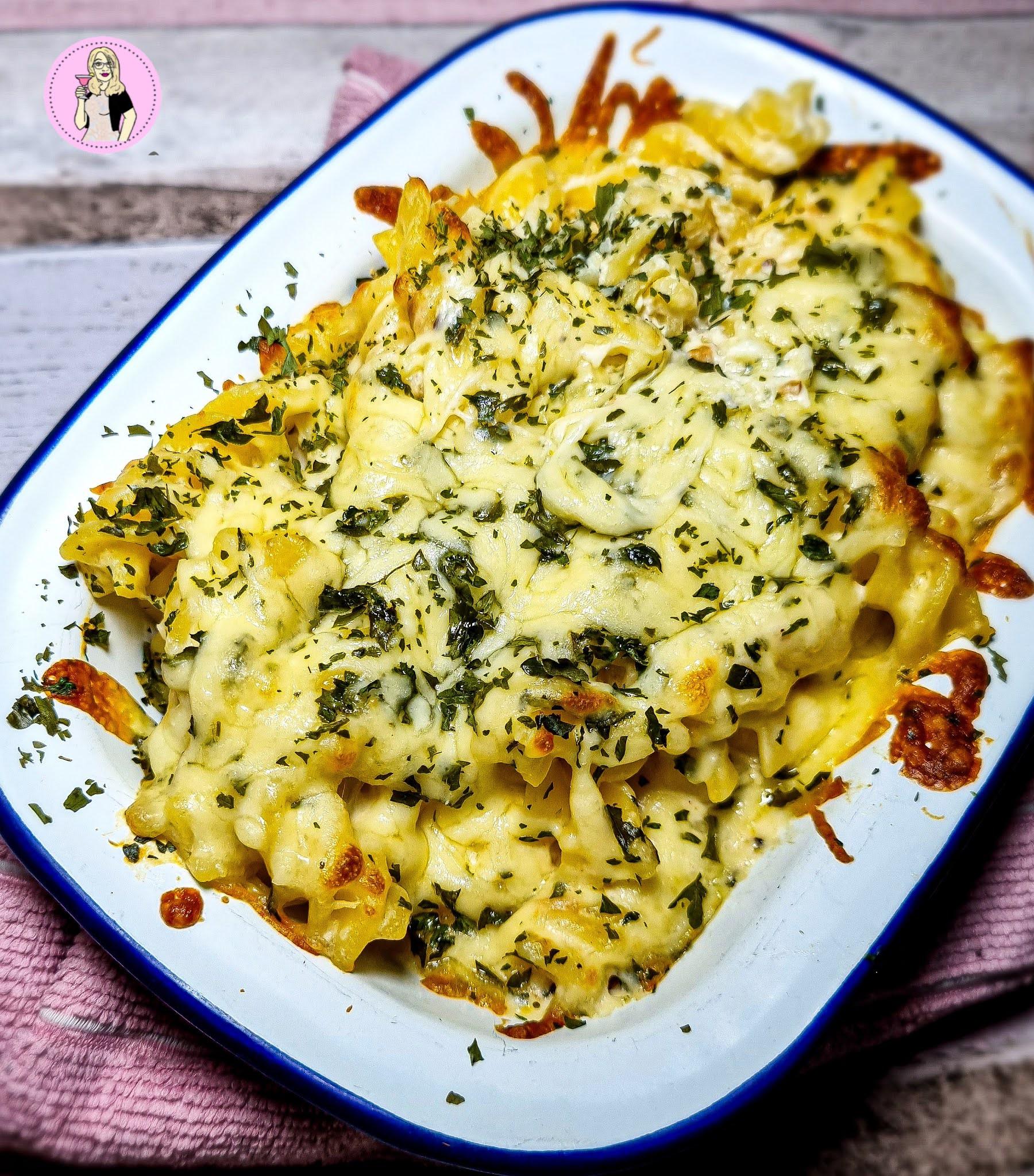 Cheesy Garlic Bread Pasta Bake Recipe