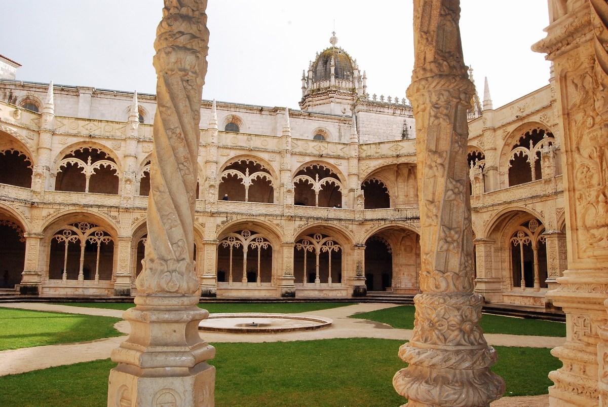 monastère des Hiéronymites cloitre