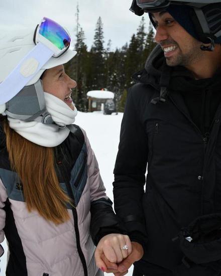 Bill Gates' eldest daughter announces engagement: fiance's snow proposal diamond ring catches