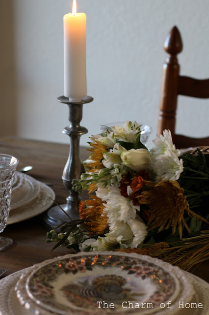 Thanksgiving Table: The Charm of Home