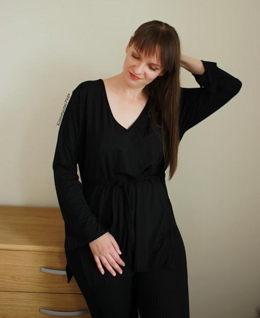 czarny dres z tuniką femme luxe
