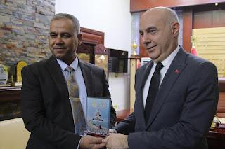 النقل : موانئ العراق تستقبل السفير التركي