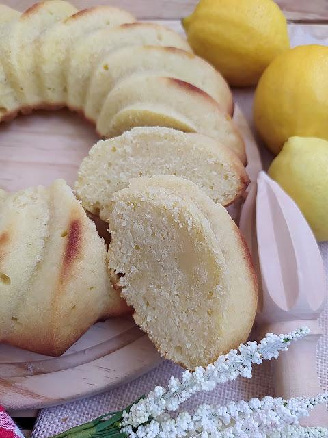Receta de Ciambella. Bizcocho de limón tradicional italiano. Desayuno, postre, merienda. Fácil, rico, jugoso, lemon, horno, recetas de siempre. Cuca