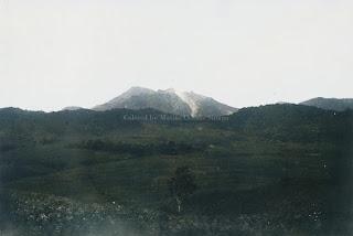 bukit dan pegunungan di parapat