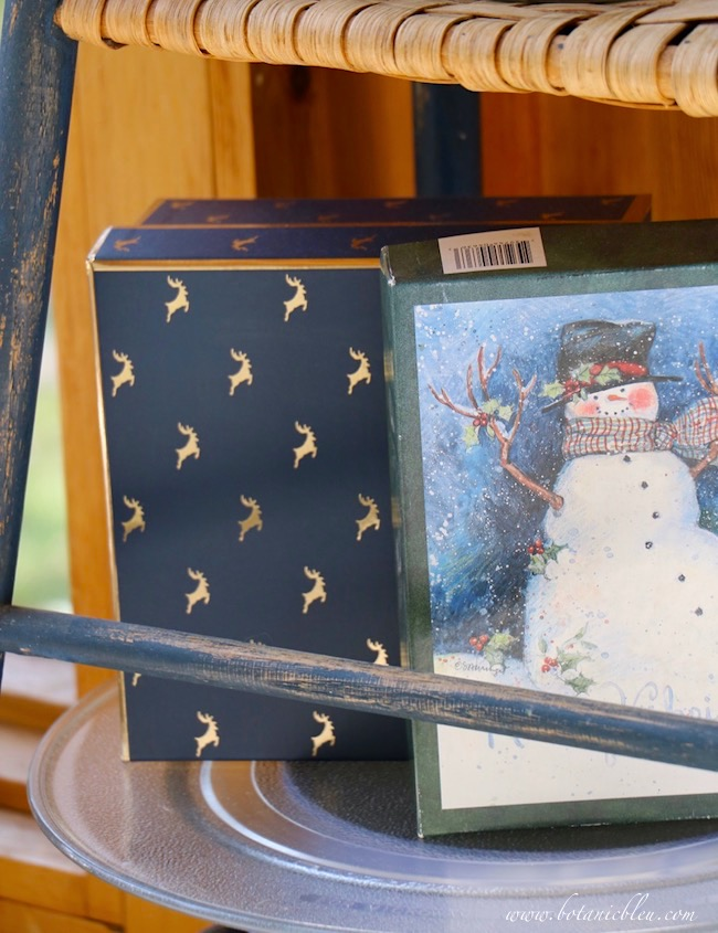 cbristmas blue gift boxes