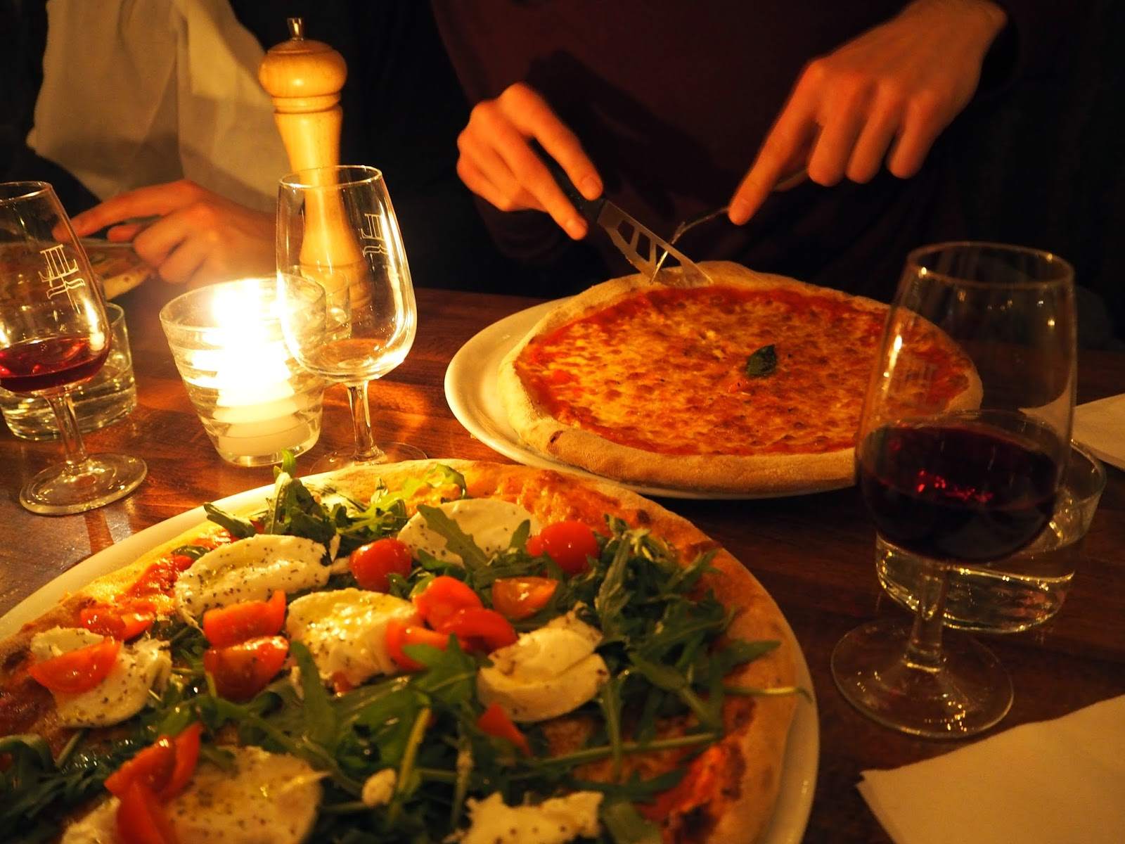 Lucky Luciano best italian pizza pizzeria in Paris