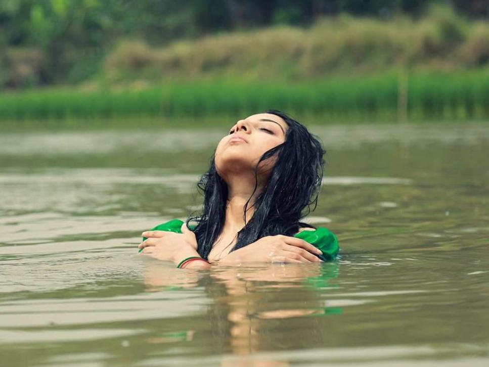 Porshi - Bangladeshi Singer  Photos 9